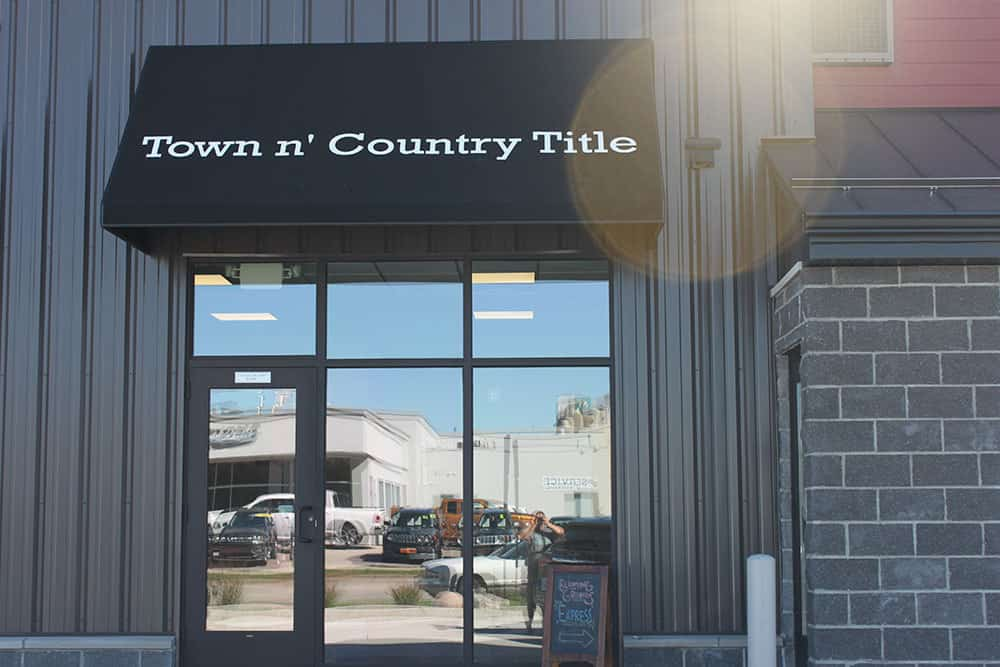 Retail - Town N Country Title
